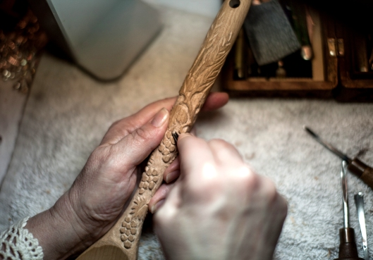 It felt good holding the wood, gripping the gouge.