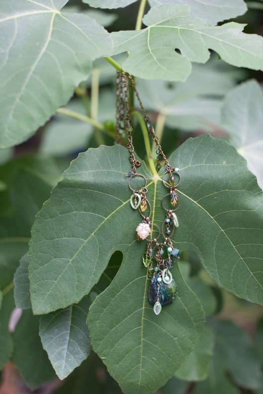 Leaf and Stone Necklace