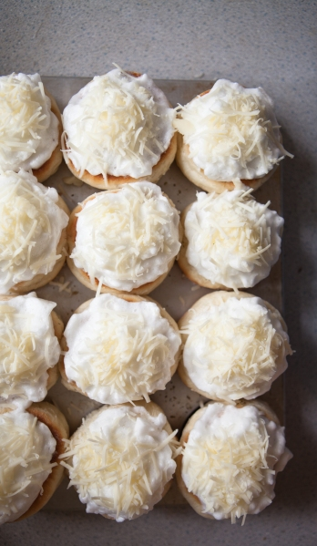 10 Meringue Breakfast Buns