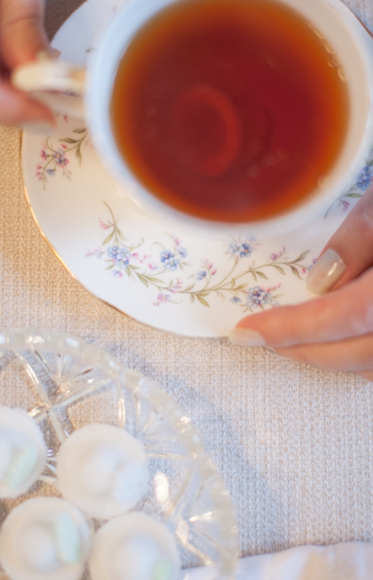 The Sugar Bonnet quickly and completely dissolves in the cup of hot tea.