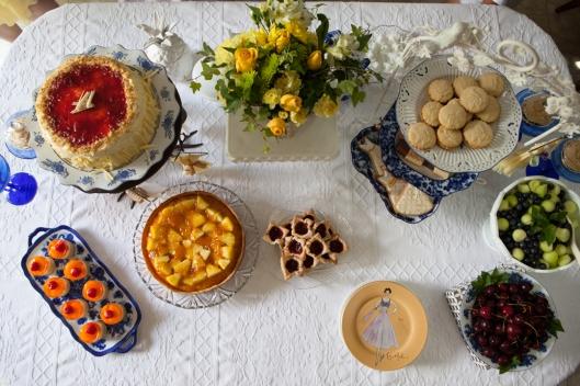 19 Dessert table