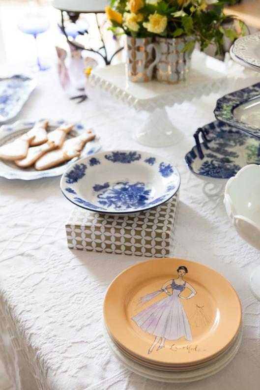 6 Rosanna Inc La Mode plates