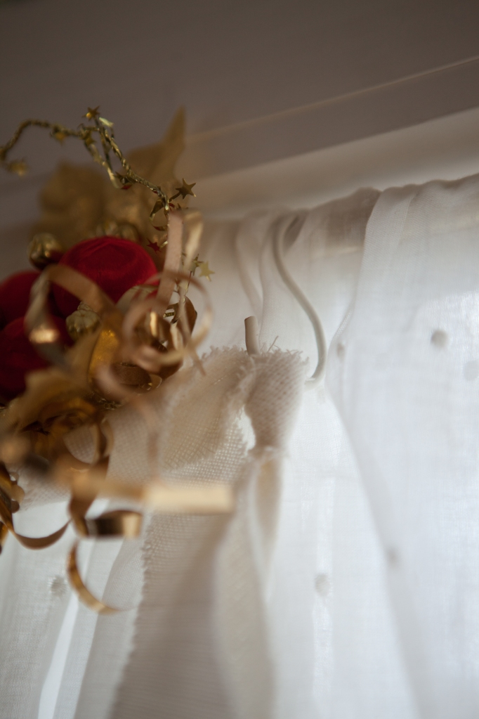 16 Angel Curtain Treatment