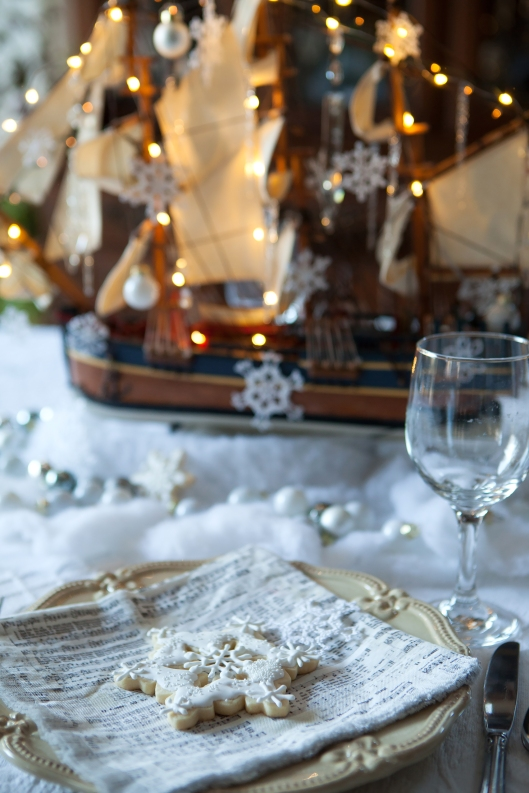 5 Christmas at Sea tablescape-0483
